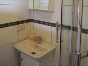 Domki pod Dębami Bobolin - łazienka